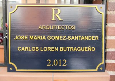 Placas para profesonales en  relieve